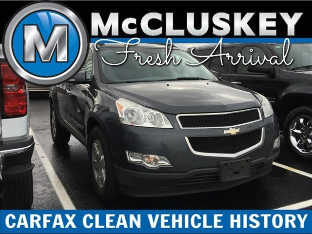 Pre-Owned 2009 Chevrolet Traverse LT Cloth